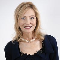 Cr Sharon Parry